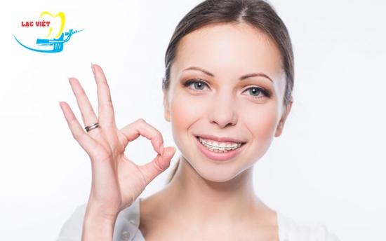 niềng răng mắc cài pha lê là phương pháp chỉnh nha tiên tiến