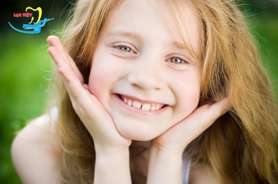Niềng răng mặt trong mất bao lâu phụ thuộc độ tuổi