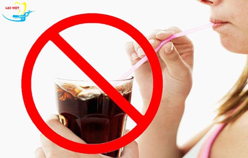 không sử dụng đồ uống có ga - đau răng khôn nên ăn gì