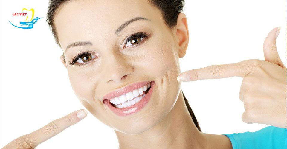 Tẩy trắng răng khi mang thai nên hay không