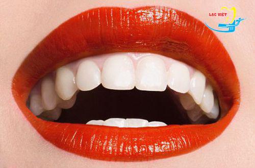 phân tích Tẩy trắng răng bằng laser có hại không