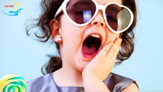 Trẻ em bị sâu răng hàm