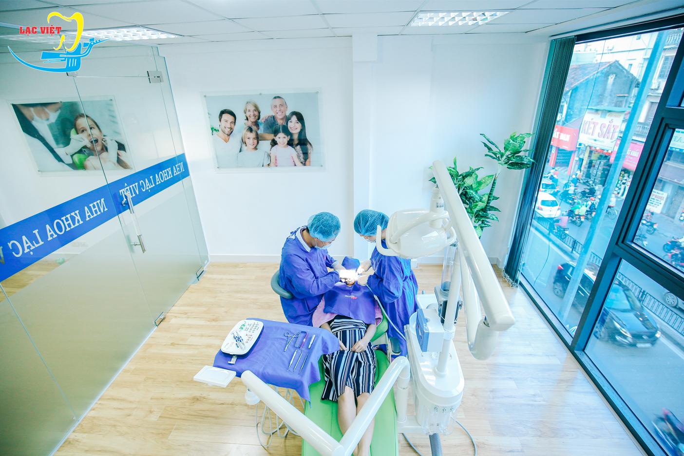 nhổ răng khôn hàm trên bị sâu tại nha khoa uy tín