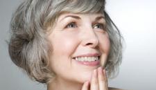 Cấy ghép trồng răng implant cho trường hợp mất hai răng cửa dưới