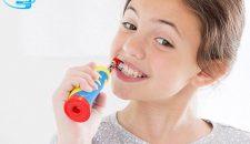 Bàn chải đánh răng điện cho bé nên hay không nên