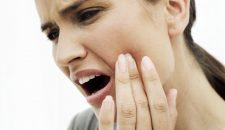 Đau răng hàm lung lay phải làm sao?