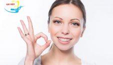 Niềng răng mắc cài pha lê có tốt không và hiệu quả thế nào?