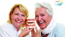 Những điều cần biết về phương pháp trồng răng giả tháo lắp